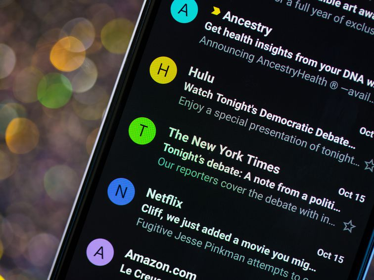 Turn on dark mode for Gmail on your Android phone and iPhone