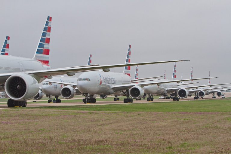 American Airlines Issues 25,000 Layoff Notices