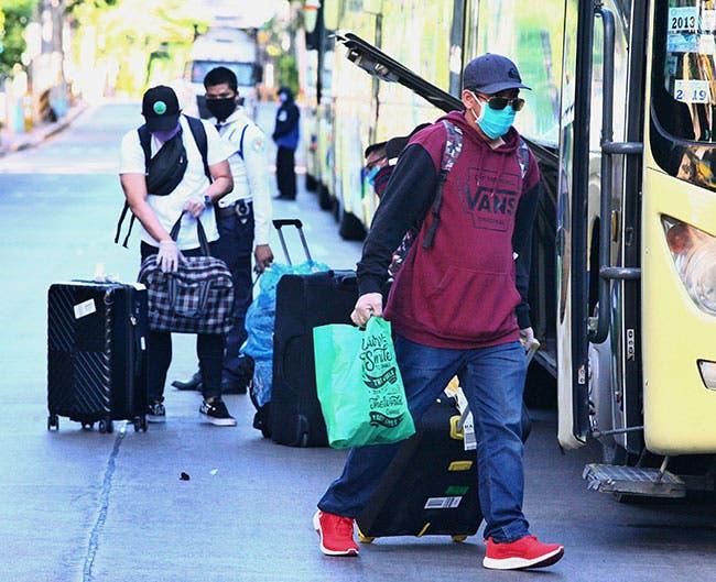 DFA raptriates 373 stranded Filipinos in Singapore – The Manila Times