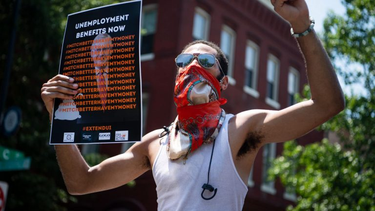 Millions left in limbo as Congress lets $600 unemployment benefit lapse