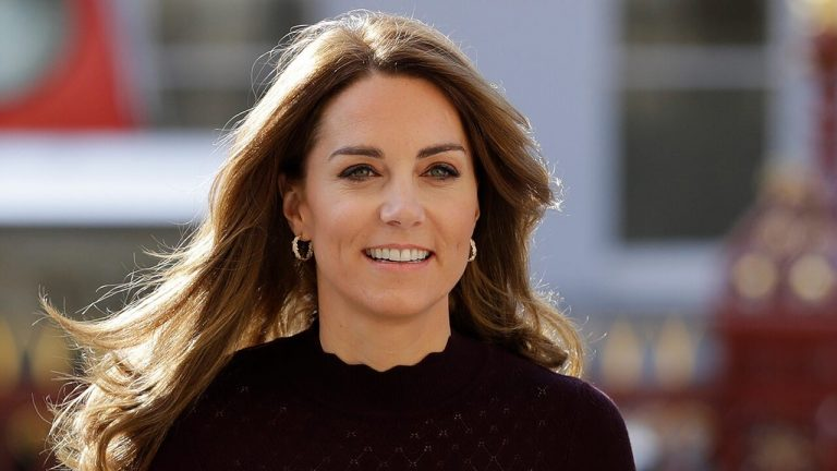 Kate Middleton shares new photos of Prince George for royal's 7th birthday