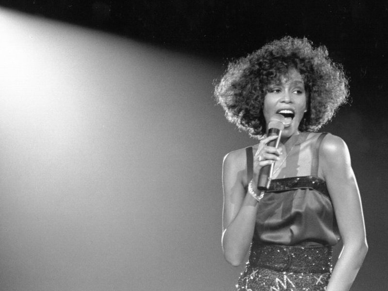 Naomi Ackie to play Whitney Houston