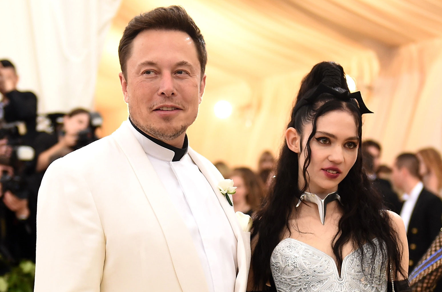 who is elon musk dating